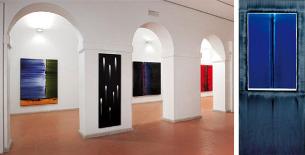 """Veduta interna della mostra di Giovanni Lombardini, """"Verso il colore"""" presso il museo di Rimini"""