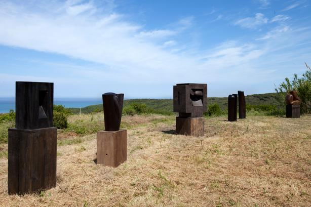 Veduta esterna di alcune sculture di Raffael Benazzi