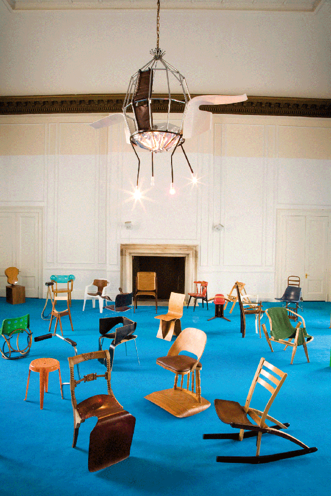 "Veduta del progetto ""100 Chairs in 100 Days"""