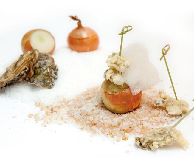 """Il piatto """"Ostriche in tempura"""" creazione dello chef Massimo Neri"""
