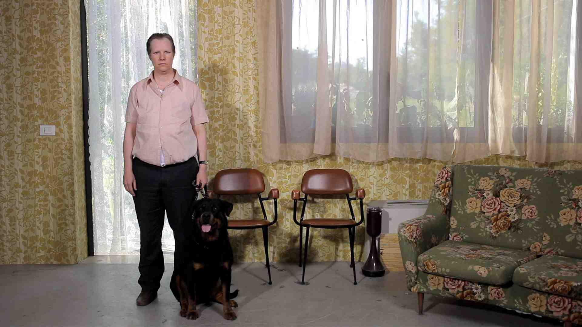 "Zapruder Filmmakersgroup, ""Spell"" - ""The Hypnotist Dog"""
