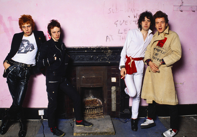 "Sheila Rock, ""The Clash"", Camdem, Londra, 1979 © Sheila Rock/Rockarchive.com"