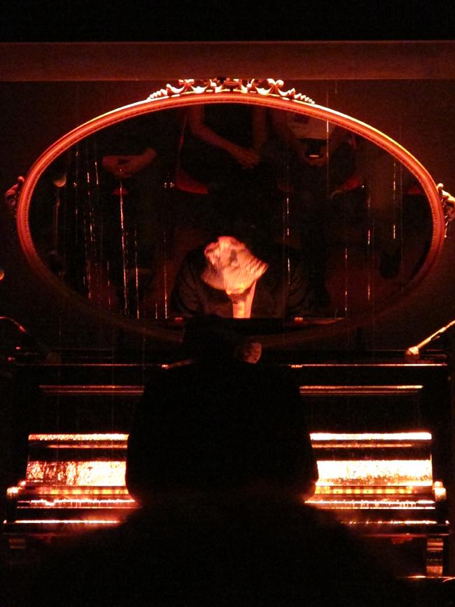 """Venerdì 11 maggio 2012, Performance """"Sinfonia: Numero"""", Manuel Felisi e Vinicio Capossela a Piano Milano City"""
