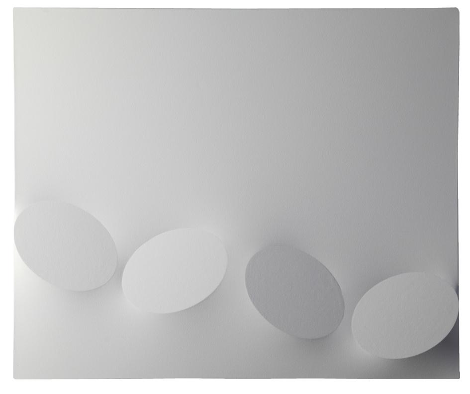 Turi Simeti. Quattro ovali bianchi, 2009, acrilico su tela sagomata, cm 100x120