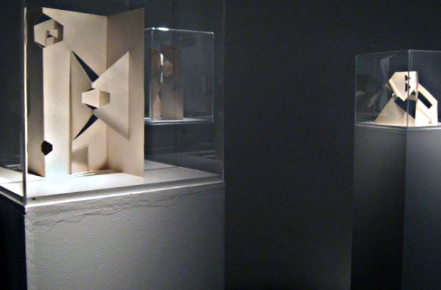Bruno Munari, prime sculture da viaggio. Courtesy Galleria Six