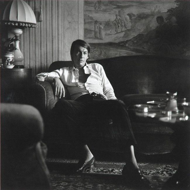 Fabrizio De Andrè, scattata 19 giugno 1969, stampata febbraio 2009, cm 40x40. Courtesy: Mimmo Dabbrescia © per gentile concessione dell'Archivio Prospettive d'Arte, Milano