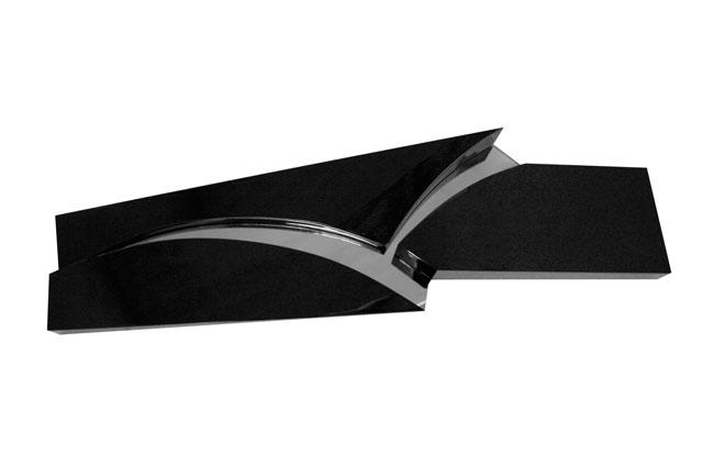 Silva Cavalli Felci, Esploso nero, 2009, schiuma poliuretanica, specchio, verniciatura a spruzzo,cm 25x81