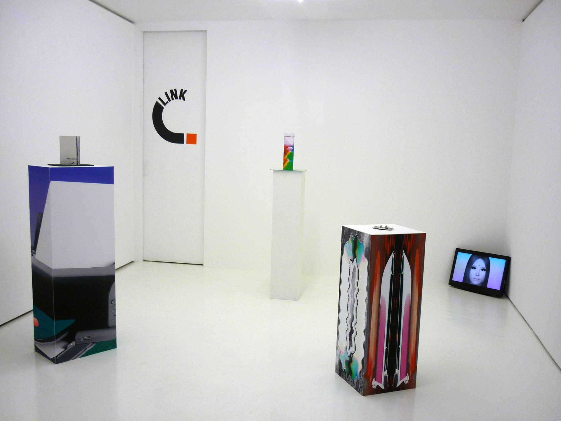 "Inaugurazione del Link Point, 29 settembre 2012, Adam Cruces, mostra ""Refresh"", Produzione: Link Art Center"