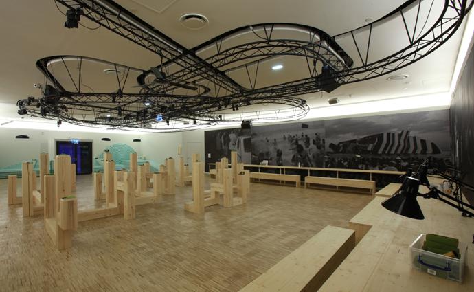 Adalberto Abbate, Utopies: des mondes imaginaires vus à la loupe, veduta dell'installazione al Centro Pompidou, 2012