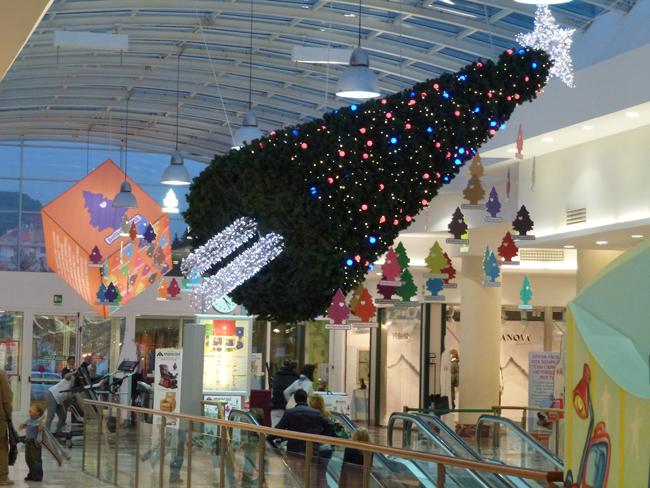 Arnold Mario Dall'O, Albero, Bel Natale, Centro commerciale Al Battente, Ascoli Piceno