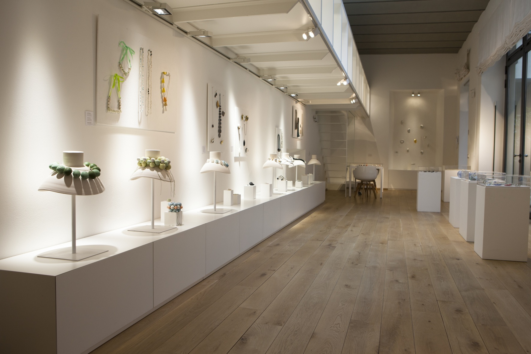 Contemporary Art Jewels - ceramica da indossare, Officine Saffi
