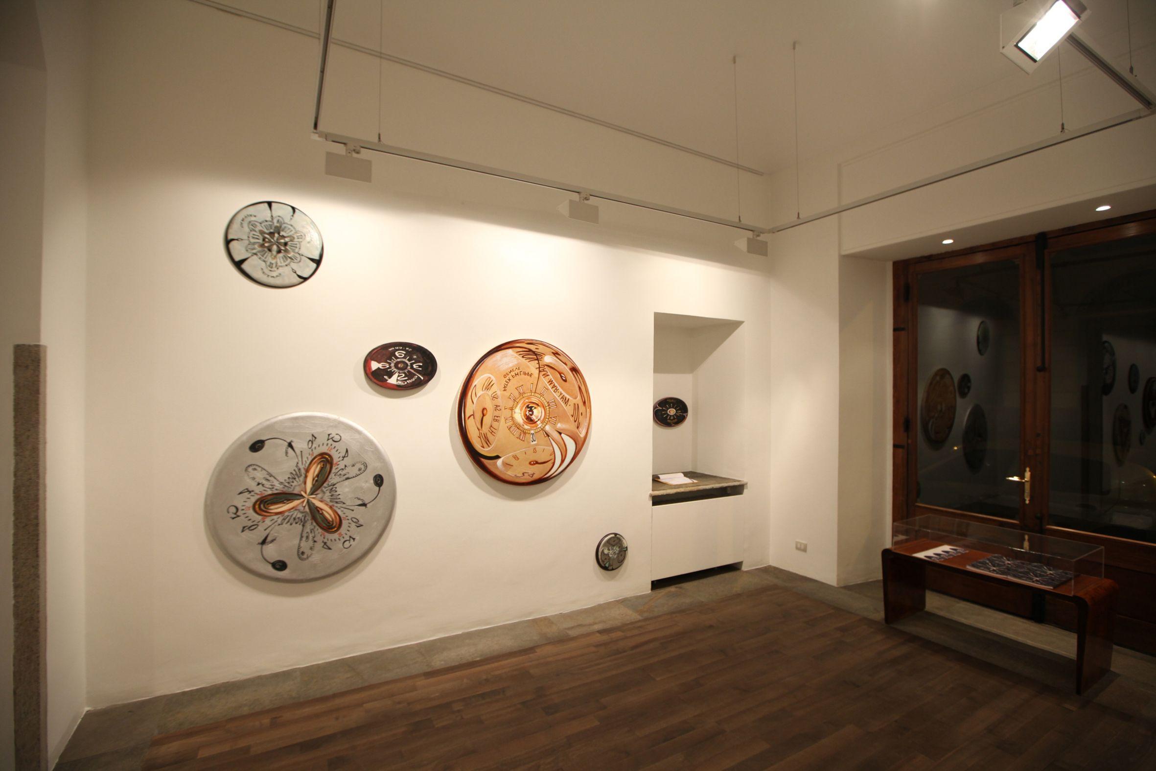 """Veduta della mostra Ray Smith """"It's time to change, Riccardo Costantini Contemporary, Torino"""
