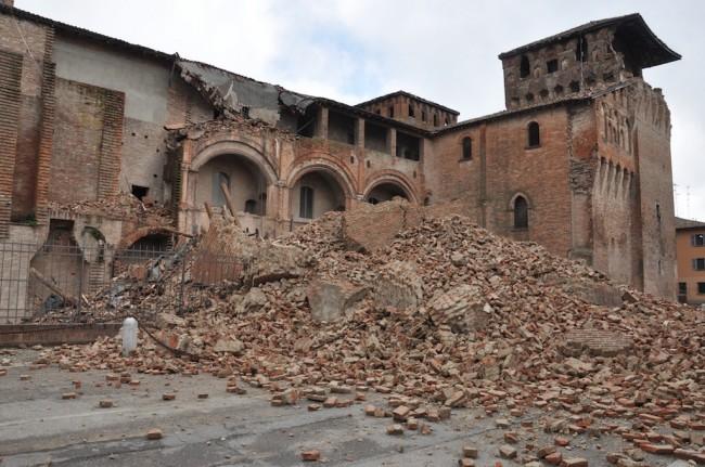 Castello delle Rocche di Finale Emilia dopo il terremoto