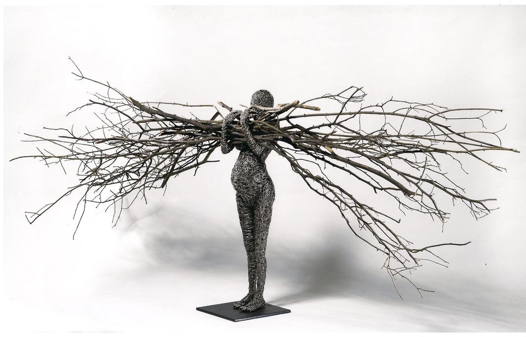 Fabrizio Pozzoli, In fieri, 2009, filo di ferro zincato, rami, 85x220x40 cm
