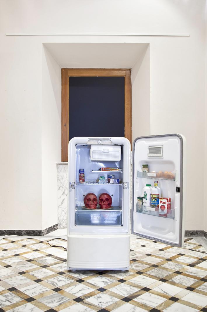 Enter, 2008, frigo, alimenti e calco di teschi in cera, cm 120x60x50