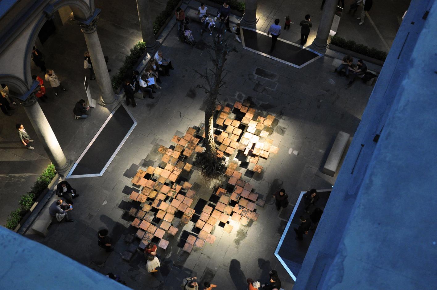 Federico Gori, installazione Di fragilità e potenza, 2013, Cortile di Palazzo Strozzi, Firenze