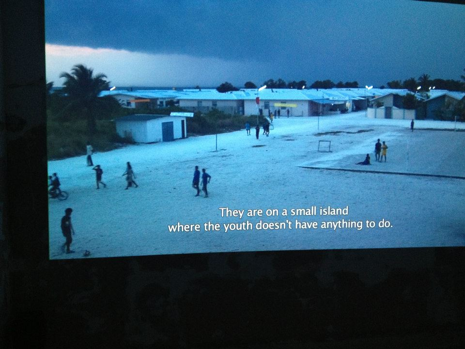 "Christoph Draeger, Heidrun Holzfeind, Tsunami Architecture / The Maldives Chapter Redux, 2013, Video Documentary, 26"". Courtesy Lokal 30, Varsavia; Y Gallery, New York; Galerie Anne de Villepoix, Parigi"