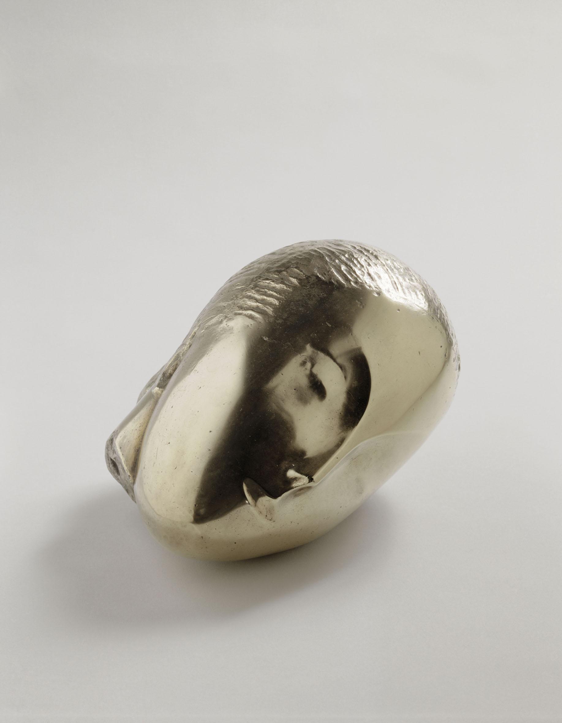 Constantin Brancusi, Musa dormiente, 1910, bronzo, cm 16.5x26x18 (AM 818 S) © Centre Pompidou, MNAM-CCI/ Philippe Migeat/ Dist. RMN-GP