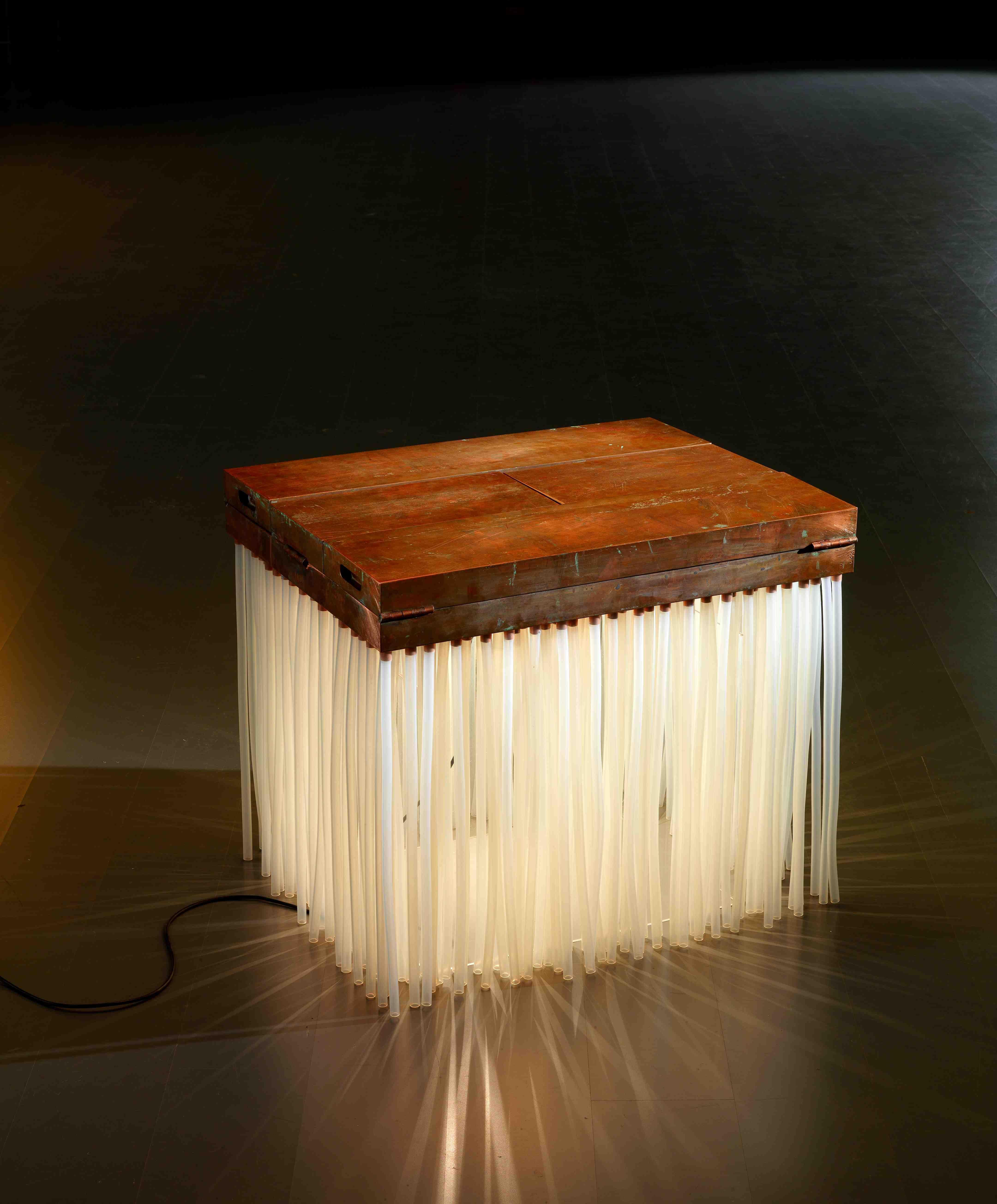 Mimmo Paladino, Massimilano e Doriana Fuksas, Corpus, 2004, rame, silicone e lampade, cm 65x75x60, 9 esemplari © GoriLab