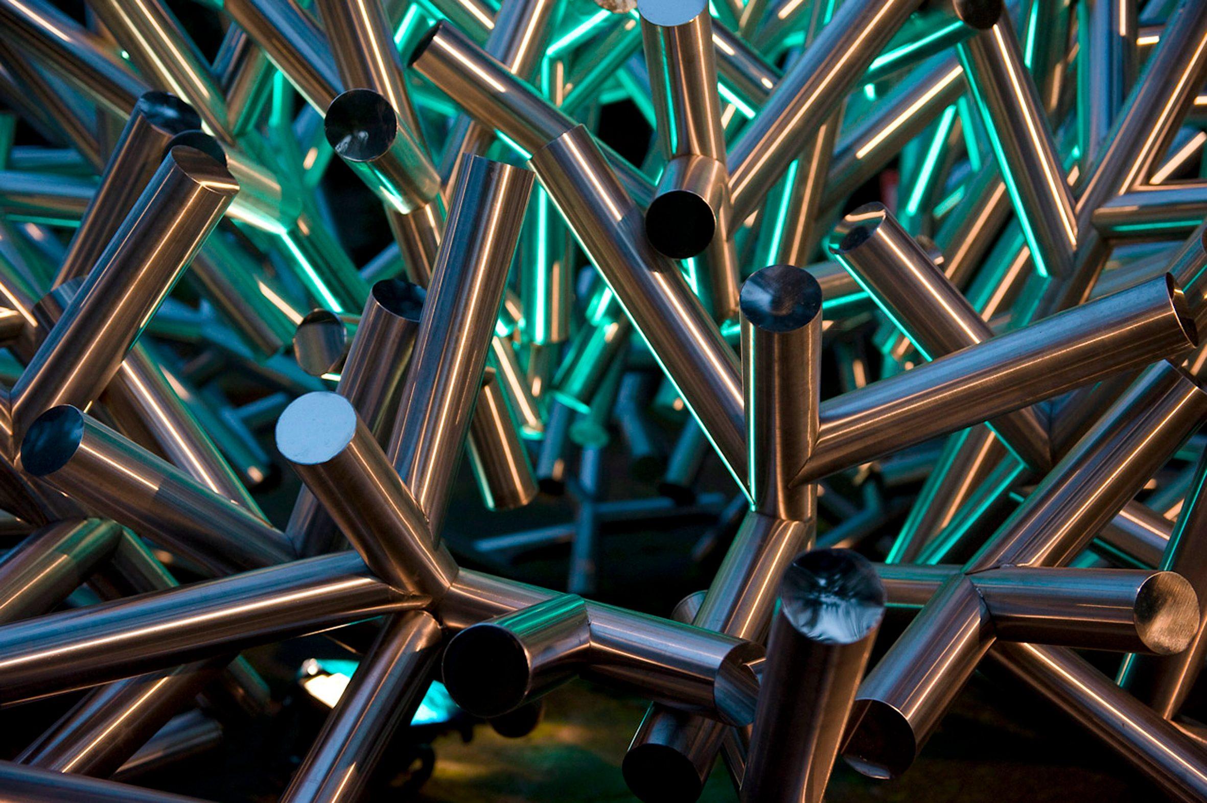 Andrea Forges Davazati, Madrepora, 2008, acciaio inossidabile, cm 360x170 (particolare) Foto F. Piras