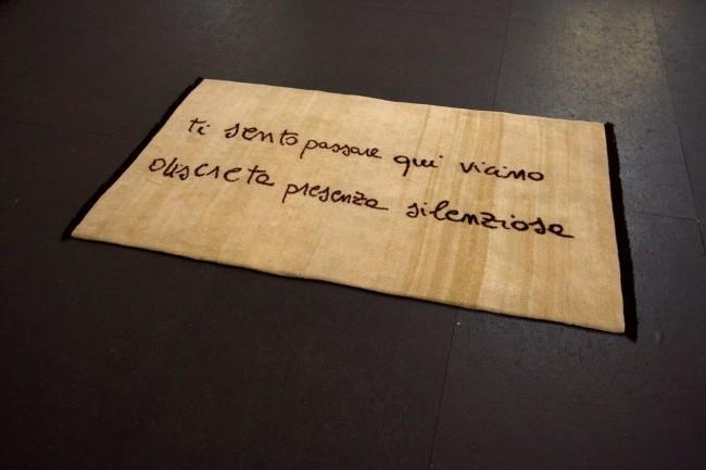 Cesare Viel, Ti sento passare, pura lana himalayana tessuta a mano, colori vegetali, cm 180 x 295, 2008, courtesy Pinksummer, Genova