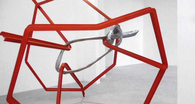 Eduard Habicher, Gedanken-Fänger (particolare), 2013, profilati di acciaio e acciaio inox, 284x325x325 cm