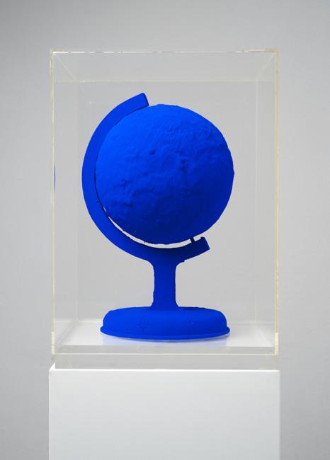 Yves Klein, La Terre Bleue, 1957 circa Courtesy Kanalidarte, Brescia