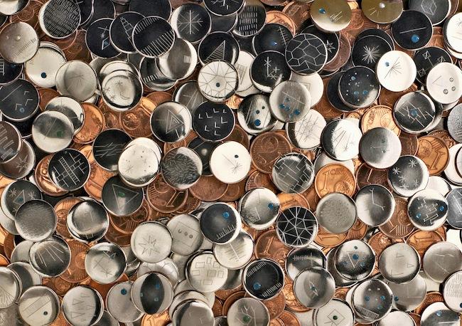 A fior di conio (dettagliol), 2011-2013, monete da 1cent di euro manomesse. courtesy degli artisti e Galleria Continua