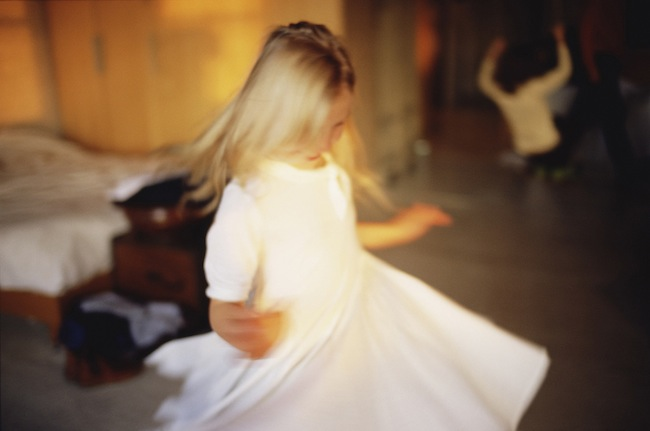 NAN GOLDIN Ava twirling, NYC, 2007 Photograph from videoinstallation Fire Leap, 2011 © Nan Goldin