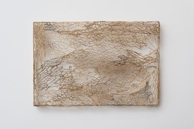 Michela de Mattei, Resistenza pittorica |2|_2013_tessitura di fico d'india_20x30x2,5 cm, courtesy smART