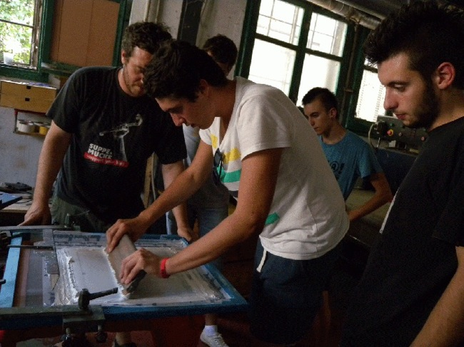 GAP 2013, workshop di serigrafia con Francesco Eppestaingher e i ragazzi di Guilmi
