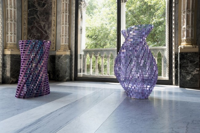 Shirazeh Houshiary, Sylph, 2014, alessandrite lead glass, mirror polished stainless steel, approx. 135x86 cm