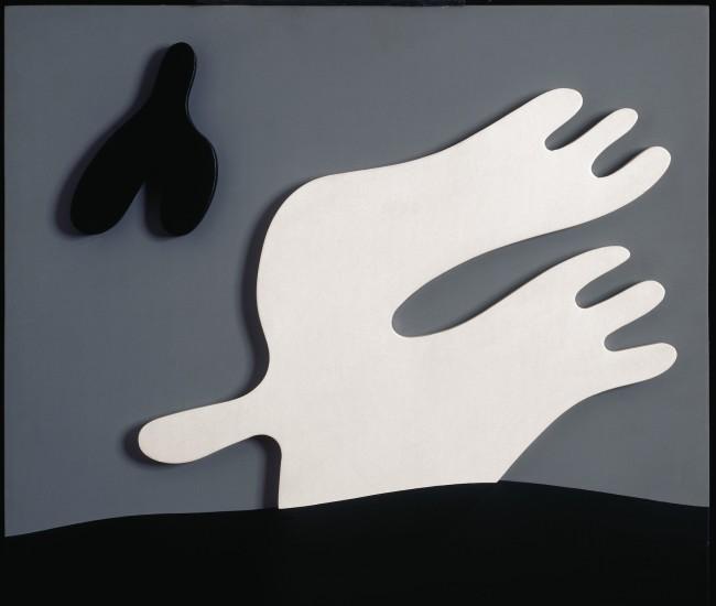 Jean Arp, Bouteille et oiseau / Flasche und Vogel (Bottiglia e uccello), 1925 (1950), legno dipinto, 52x56x4 cm, Fondazione Marguerite Arp, Locarno