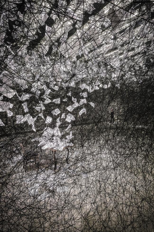 Chiharu Shiota, A Long Day, Tenuta Dello Scompiglio, 2014, veduta di insieme, foto G. Mencari