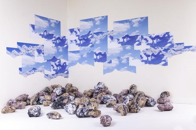 Gianluca Quaglia, Da lontano ma vicino, 2014, carta incisa e filo di cotone, misure variabili