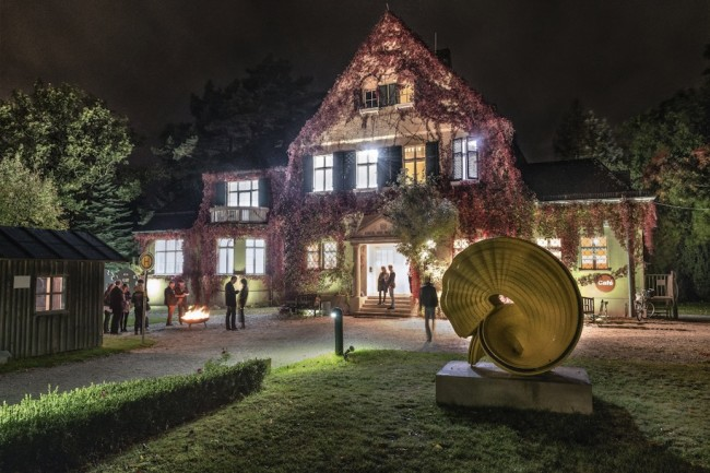 Haus am Waldsee, Artist's work Tony Cragg, Outspan, 2008 © Lukas Spörl / Jalag Syndication