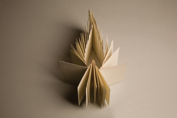 Sofia Stevi, spine books IV,  2014, carta senza cloro, filo