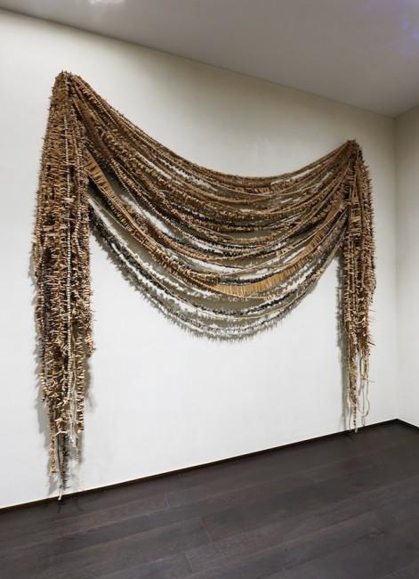 Chiara Camoni, SENZA TITOLO, STABKARTE  2014, 250 x 250 x 30 cm, Photo: Araki, Courtesy: ZegnArt Stores Osaka