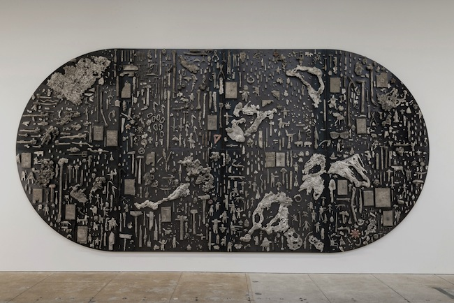 Nick van Woert, Garden of Forking Paths, 2013 acciaio, bronzo bianco, rame, bronzo bianco scurito  304.8 x 609.6 x 10 cm Grimm Gallery, Amsterdam immagine courtesy l'artista e Grimm Gallery, Amsterdam foto Joshua White
