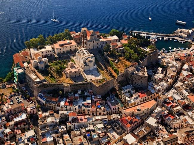 Veduta del Castello di Lipari