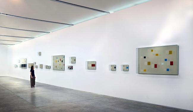 Chiara Dynys, Look At You, 2012, vetro, argento e colore, dimensioni variabili