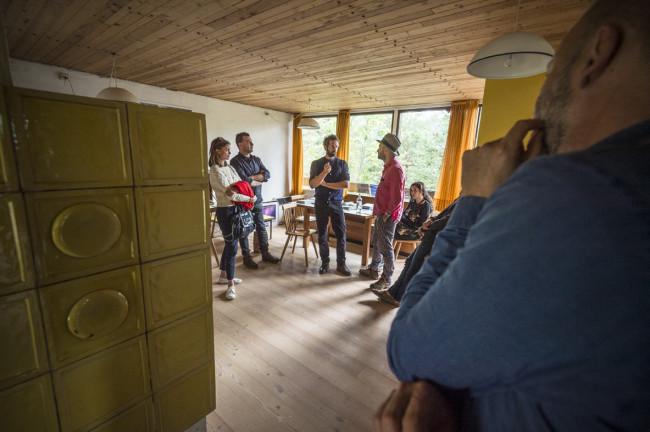 Artisti in visita al Progetto Borca con Luca Rento e Martin Soto Clement foto Giacomo De Donà
