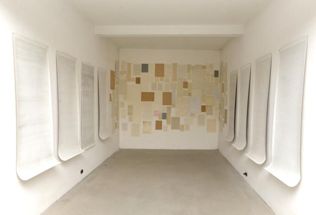 Dadamaino, I fatti della vita, ricostruzione della sala alla Biennale di Venezia 1980, installazione alla Fondazione Piras, 2014