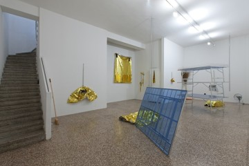 Bruna Esposito, Inconveniente, Installation view, FL Gallery, Milano. Photo Antonio Maniscalco