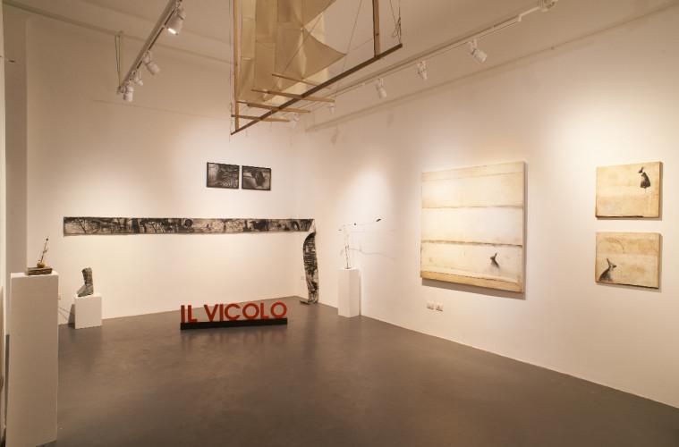 Il Vicolo, Milano. Veduta della mostra d'apertura,  ph. Marco Varoli