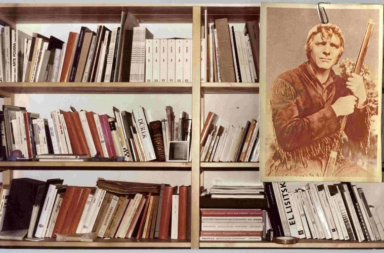 Franco Guerzoni, Avventura a guardia della libreria, 1978, cartolina e foto originale, 23x37 cm, collaborazione fotografica con Luigi Ghirri