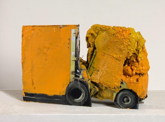 G. Cossio, Macchina 39, 2011, tecnica mista,  cm. 39x21x8, foto Dario Lasagni