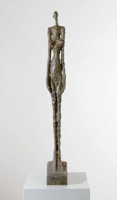 Alberto Giacometti, Femme de Venise V, 1956, bronzo, 112x14x32 cm, Collezione privata