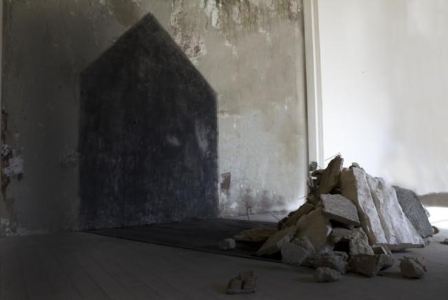 Premio Terna 06, sezione Scultura e Installazioni, I classificato, SARA ALAVI, L'alba di una casa sparita