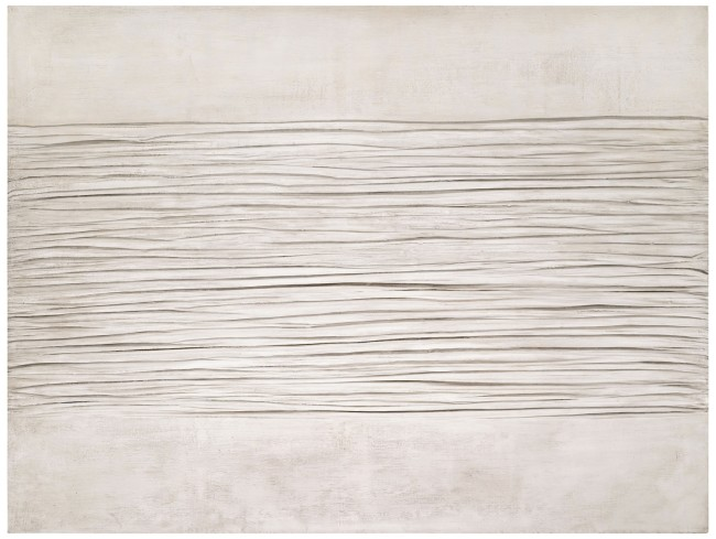Piero Manzoni, Achrome, 1958-59, caolino su tela grinzata, 110x150 cm Courtesy Sotheby's, Londra-Milano
